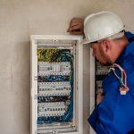 Les risques électriques et les mesures de prévention