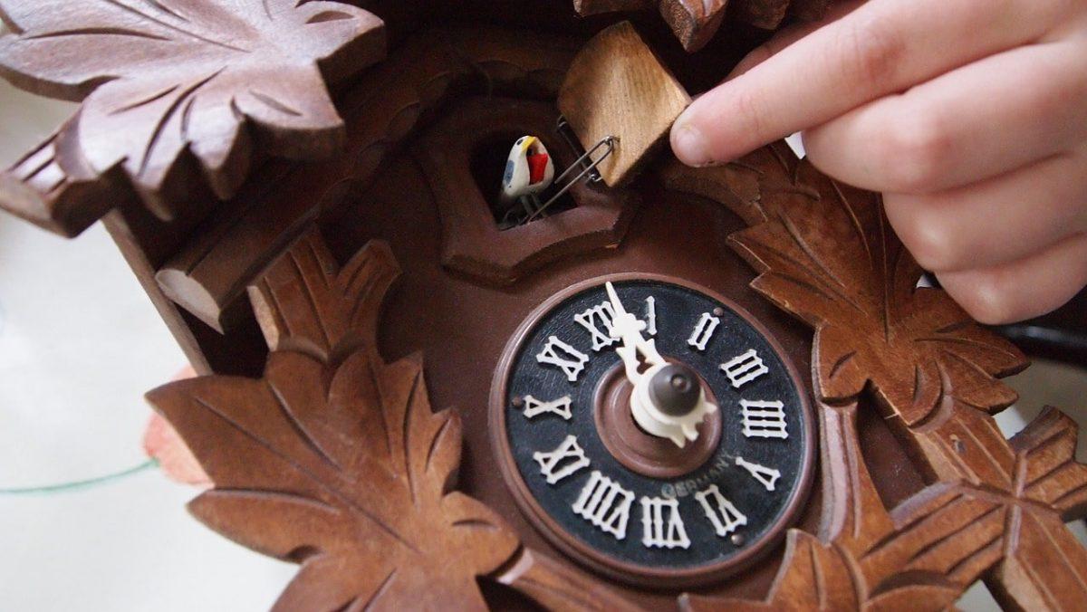 Horloge rétro coucou