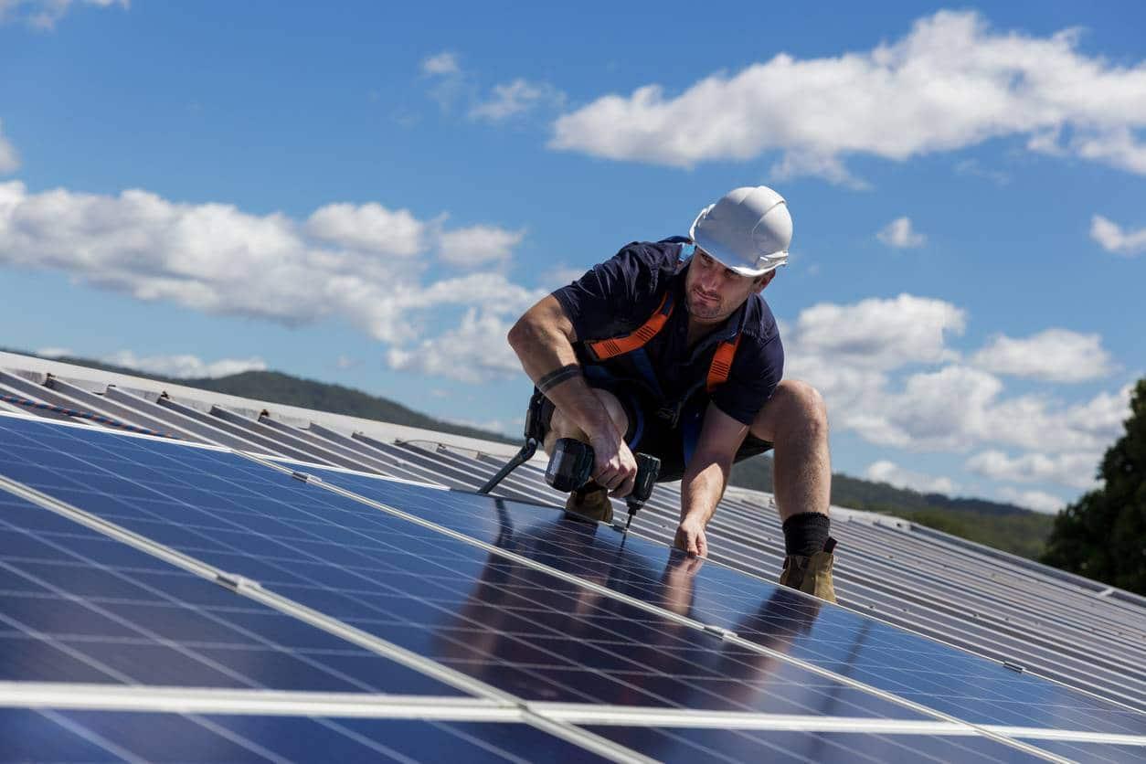 installation de panneaux solaires diy ou specialiste.jpg