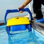 Robot de piscine hydraulique ou électrique ?