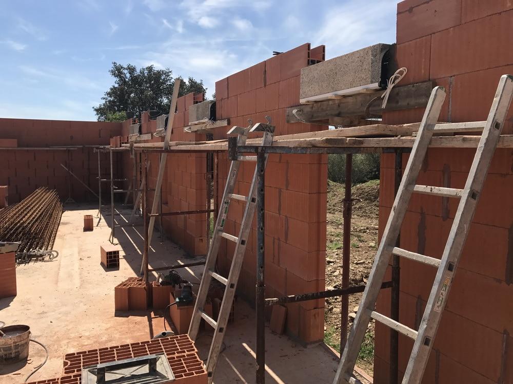 montage murs maison biobric