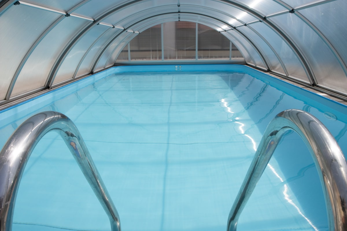 hotel abris piscine