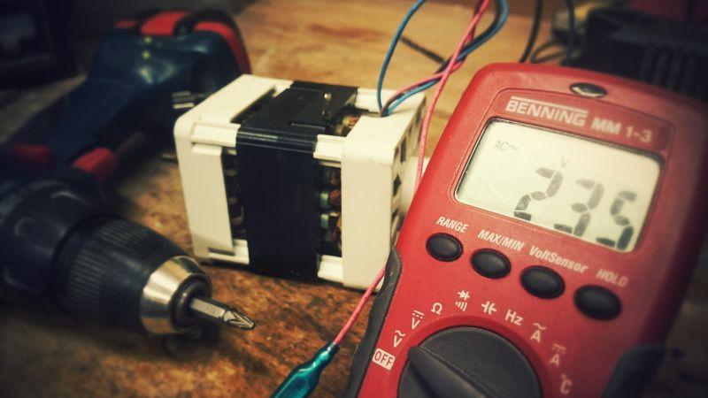 Avec quel appareil mesure-t-on la consommation électrique ?